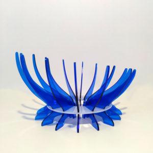 Frutero de metacrilato en dos colores azul y hielo diseño de Maqula Desing